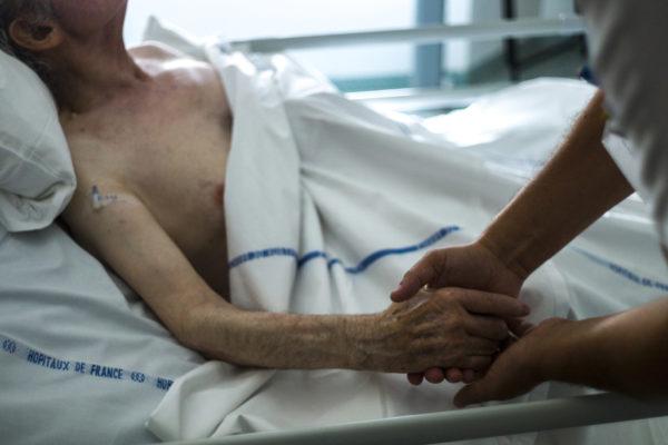 Aide à mourir et euthanasie : il est temps de mettre fin à une hypocrisie qui n'a que trop duré